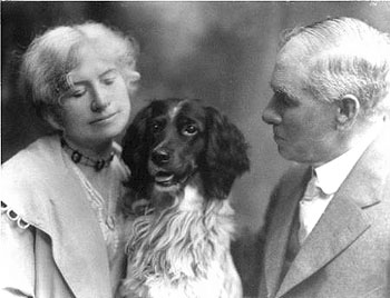 Annie Oakley, Frank Butler and their dog Dave